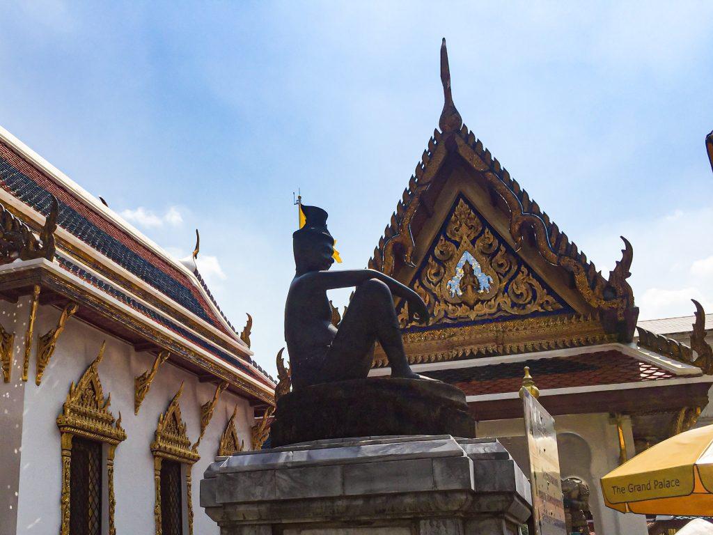 Patung Cheewok Komaraphat